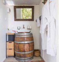Stars & Vines bathroom (2)